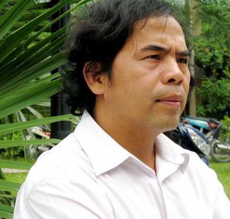 PGS-TS, nhà văn Văn Giá chia sẻ kế hoạch kỷ niệm 35 năm thành lập trường Viết văn Nguyễn Du .