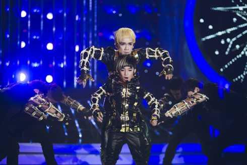 Minh Thuận - Anh Duy hóa thân thành một nhóm nhạc Hàn Quốc