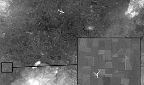 Hình ảnh mới công bố cho thấy chiếc máy bay dân dụng bị chiến cơ tấn công bằng tên lửa