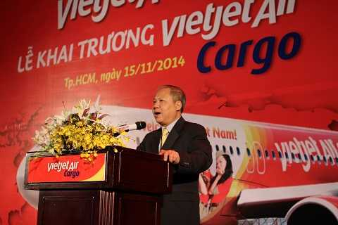 Ông Võ Huy Cường - Cục Phó Cục Hàng Không phát biểu tại buổi lễ