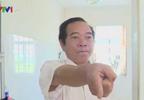 Giám đốc Bệnh viện Đa khoa huyện Lương Tài say rượu, cản trở phóng viên tác nghiệp bị giáng chức xuống làm Phó Giám đốc.