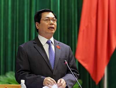 Bộ trưởng Bộ Công Thương Vũ Huy Hoàng cho biết, lực lượng Quản lý thị trường phải kiểm tra chất lượng phân bón bằng miệng