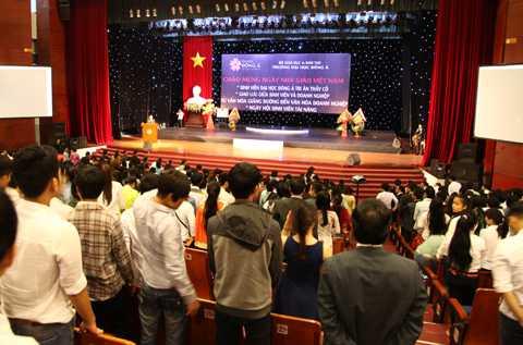 Hơn 1.000 sinh viên ĐH Đông Á đã dự lễ mít-tinh
