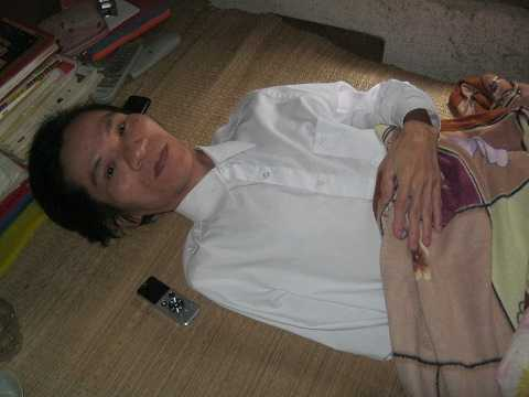 Thầy giáo Nguyễn Hữu Thắng trò chuyện với PV VTC News sáng 19/11