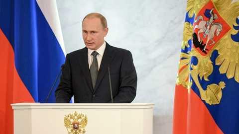 Tổng thống Nga Putin đọc thông điệp liên bang - Ảnh: RT