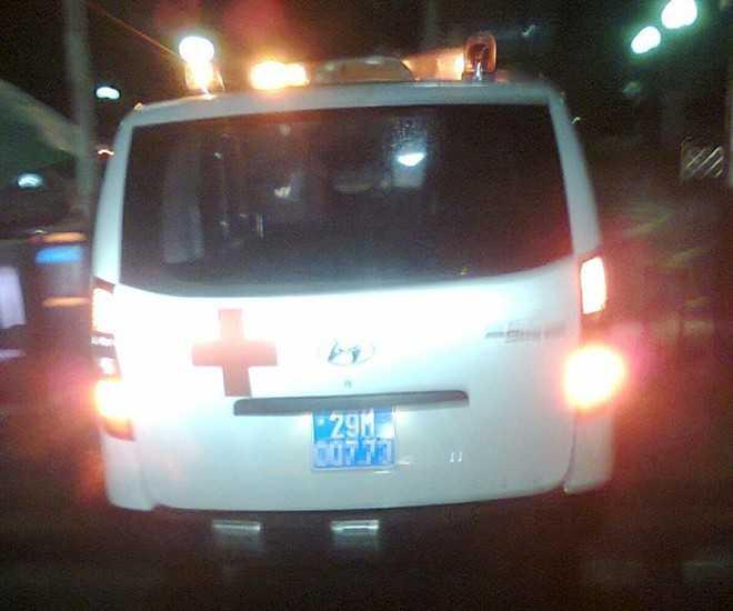 Chiếc xe cứu thương từ chối cứu người gặp nạn tối 3/12. Ảnh:Otofun.