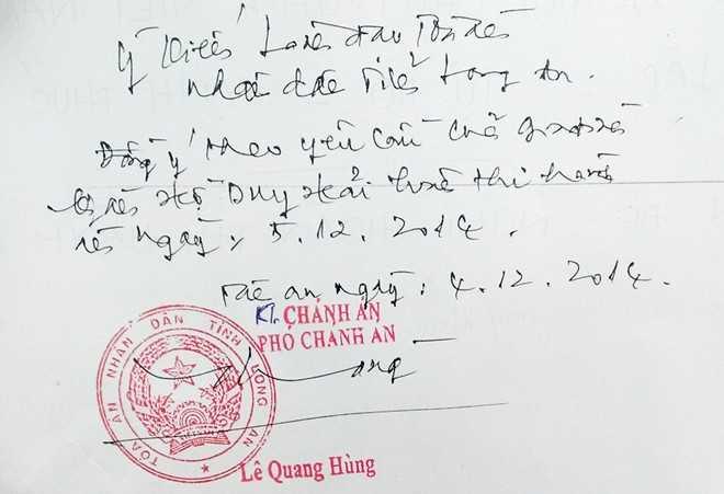 Ông Hùng phê vào phía sau đơn của Thủy, đồng ý tạm hoãn tử hình Hồ Duy Hải.