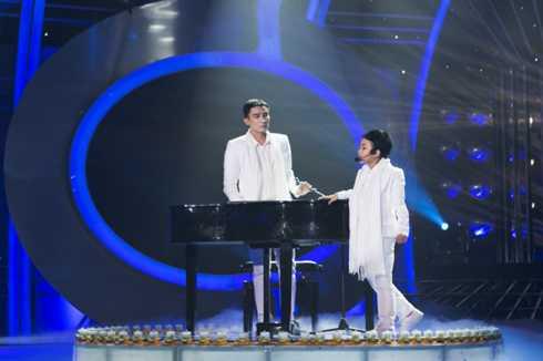 Bảo An - Chí Thiện hóa thân thành nhạc sỹ Minh Khang