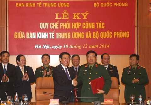 Ban Kinh tế Trung ương và Bộ Quốc phòng ký quy chế hợp tác