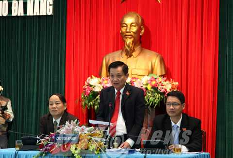 Ông Trần Thọ (giữa), Bí thư Thành ủy, Chủ tịch HĐND thành phố Đà Nẵng có số phiếu tín nhiệm cao nhất.