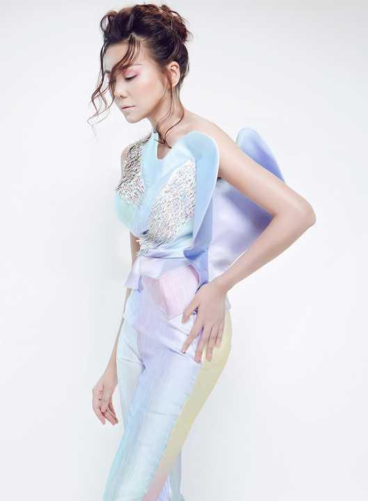 BST No.8 của Công Trí được trình diễn tại tuần lễ Thời trang Việt Nam quốc tế - Vietnam International Fashion Week.