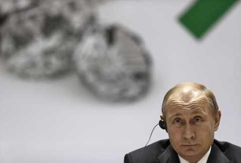 Tổng thống Nga Putin đang phải đối mặt khó khăn tài chính