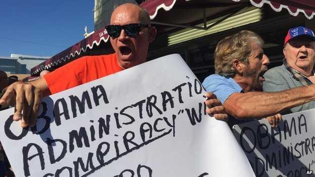 Những người Mỹ gốc Cuba lên tiếng phản đối quyết định của chính quyền Obama