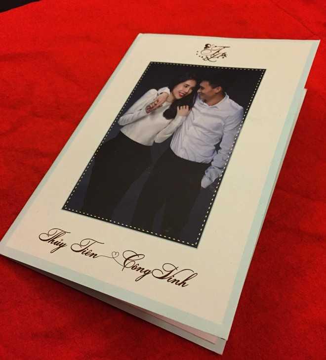 Thiệp cưới của Thuỷ Tiên và Công Vinh.