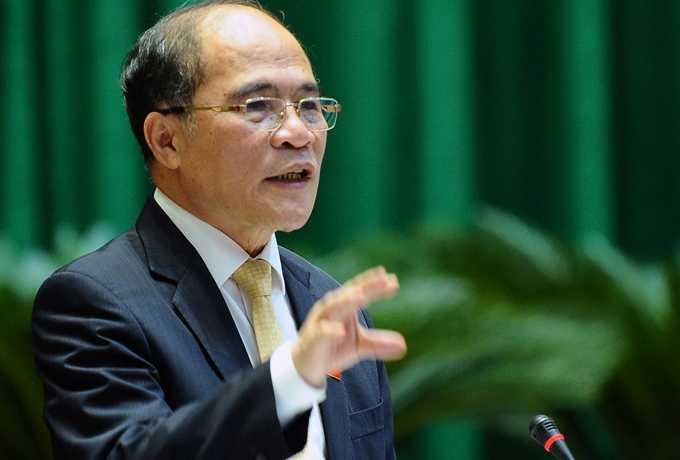 Chủ tịch Quốc hội Nguyễn Sinh Hùng :' Đến dự tòa, người ta có thẻ nhà báo rồi tại sao lại cần phải giấy giới thiệu?'