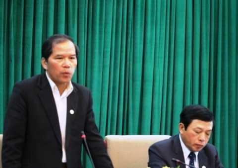 Ông Nguyễn Xuân Tiến, Bí thư Tỉnh ủy Lâm Đồng phát biểu tại cuộc họp báo