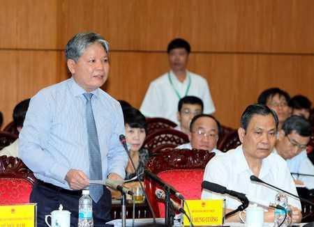 Bộ trưởng Hà Hùng Cường cho biết, hiện Việt Nam đang có tới hơn 100.000              văn bản quy phạm pháp luật, gấp khoảng 7 lần mức báo động đỏ ở Hàn Quốc