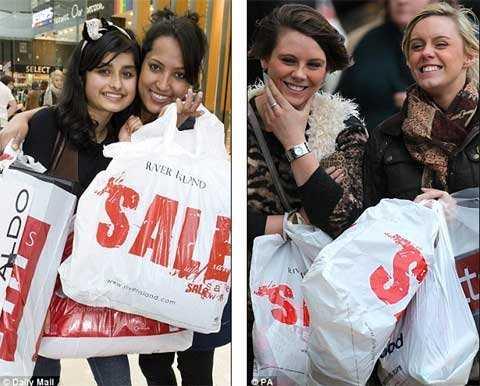Giáng Sinh là thời gian mua sắm 'điên rồ'