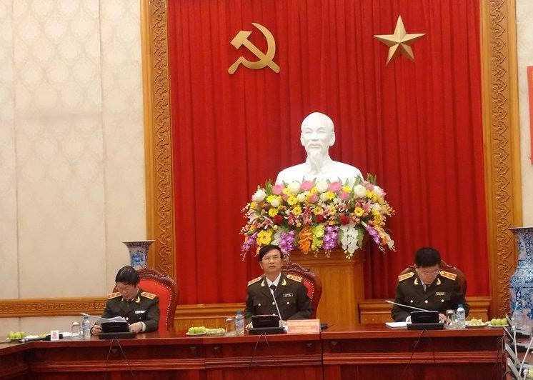 Thứ trưởng Đặng Văn Hiếu (ngồi giữa) chủ trì họp báo