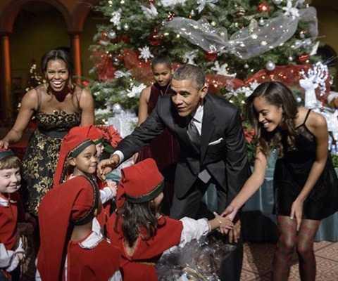 Trái với hình ảnh trên chính trường, ngoài đời Tổng thống Obama khá gần gũi và giản dị