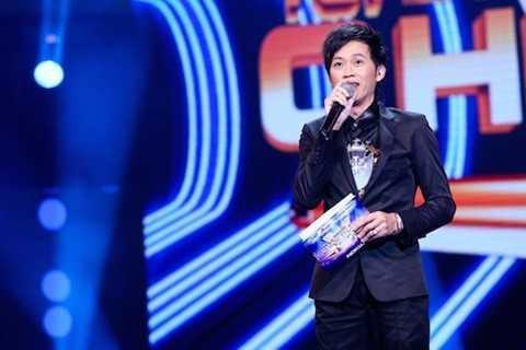 Hoài Linh làm MC trong chương trình The Winner Is 2014.