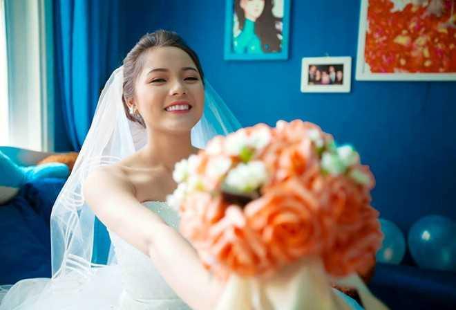 Thi Phương còn là người mẫu ảnh, tham gia vào các vai phụ trong một số phim điện ảnh.