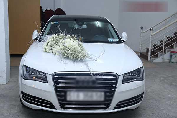 Công Vinh cũng rước dâu bằng chiếc siêu xe có giá trị 6 tỷ đồng