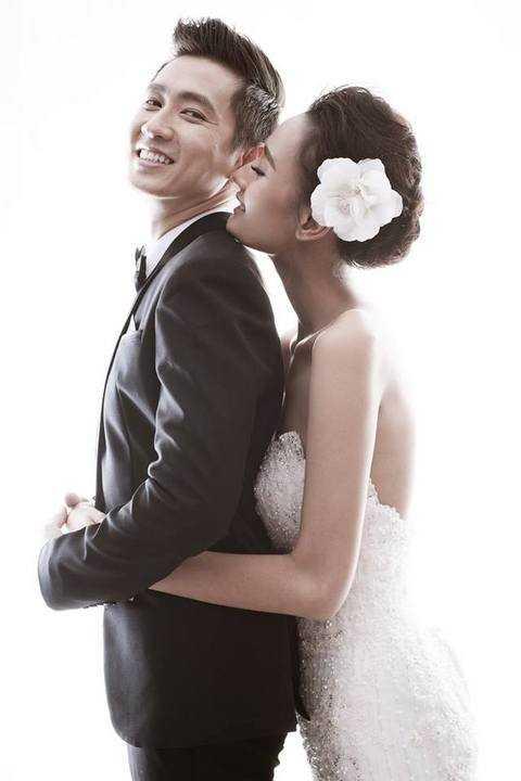 Chuẩn bị đến ngày lên xe hoa, Lê Thuý đã hé lộ bộ ảnh cưới với chú rể Đỗ An