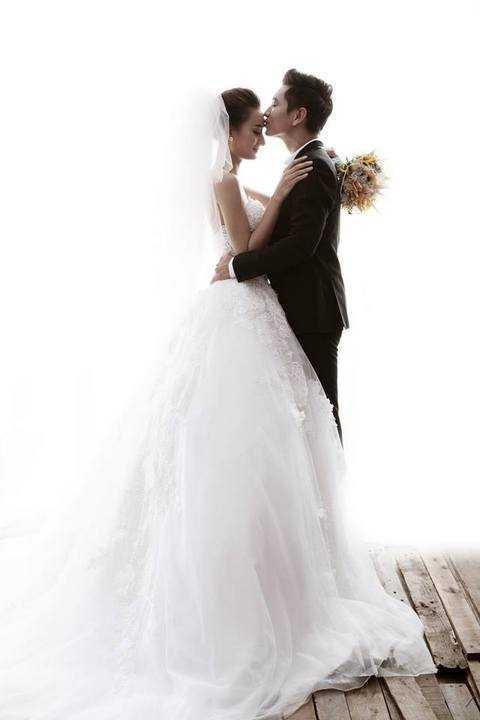 Sau khi tổ chức đám cưới tại quê nhà, Lê Thuý cũng sẽ tổ chức tiệc cưới tại Sài Gòn