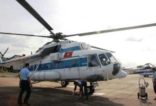 Chiếc trực thăng MI-171 được huy động đến đảo Phú Quốc chở nạn nhân bị côn trùng lạ đốt vào TPHCM cứu chữa