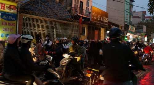 Phố 19/5 bất đắc dĩ trở thành con đường 'huyết mạch' nối đường Nguyễn Trãi - Quang Trung.