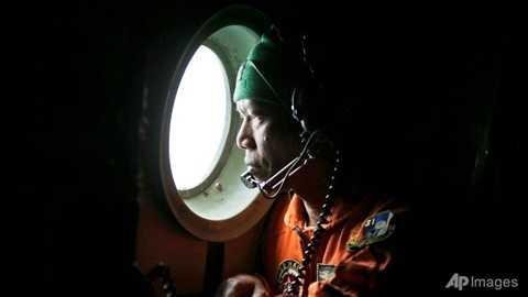 Indonesia điều máy bay tìm kiếm ở hố tử thần Java nhưng vẫn chưa phát hiện tung tích QZ8501