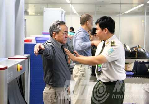 Quy định '4 xin và 4 luôn' được tuân thủ thực hiện từ các đơn vị trong và ngoài sân bay