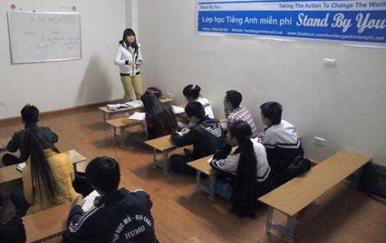 Trung tâm dạy ngoại ngữ miễn phí của Phạm Minh Đáp đã đi vào hoạt động được vài tháng nay, cả học viên là những bạn sinh viên học sinh, còn giảng viên là sinh viên tình nguyện của các trường ngoại ngữ.