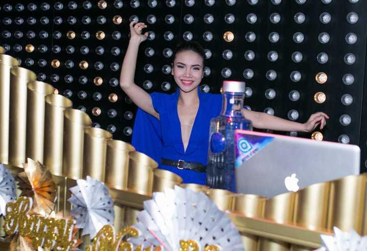 Từ trước tới nay, trong số các ca sỹ trẻ của showbiz Việt, Yến Trang luôn được đánh giá là có gu ăn mặc.
