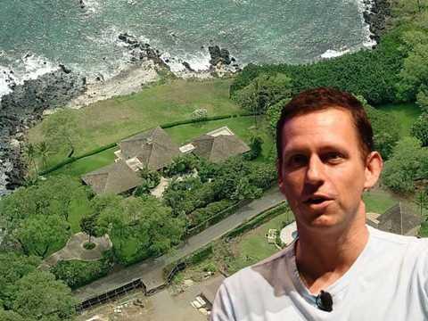 Đồng sáng lập PayPal và nhà đầu tư Facebook, Peter Thiel