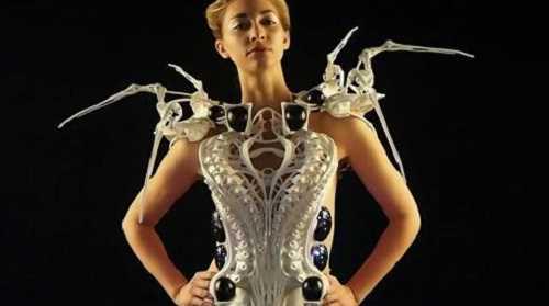 Chiếc váy thông minh hiểu được cảm xúc của người mặc.