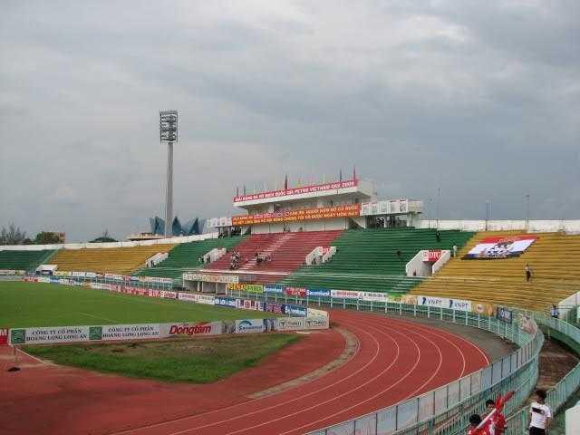 Sân Long An chỉ có thể chứa 11.000 người
