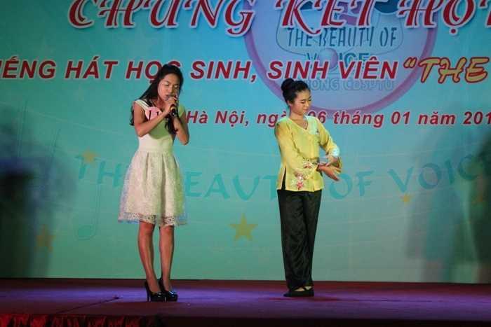 Tiết mục Mẹ yêu con của thí sinh Nông Thị Ly giành được nhiều tình cảm từ khán giả.