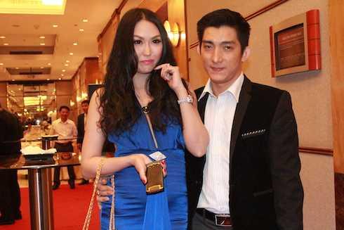 Cả hai khá hứng thú với những thay đổi của kênh truyền hình như kênh hài chuyên biệt cũng như những bộ phim TVB đình đám sắp được chiếu trên kênh phim Châu Á.