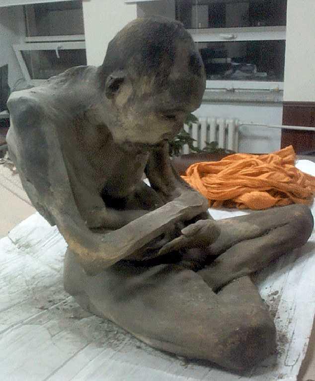 Xác ướp thiền sư Mông Cổ khoảng 200 năm tuổi