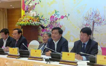 Bộ trưởng GTVT Đinh La Thăng trả lời báo chí tại phiên họp báo Chính phủ chiều tối 30/1