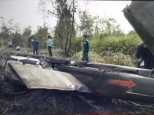 Hiện trường nơi trực thăng rơi - Ảnh chụp từ màn hình TV đài QPVN
