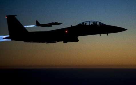 Hai máy bay chiến đấu của Mỹ tham gia không kích IS