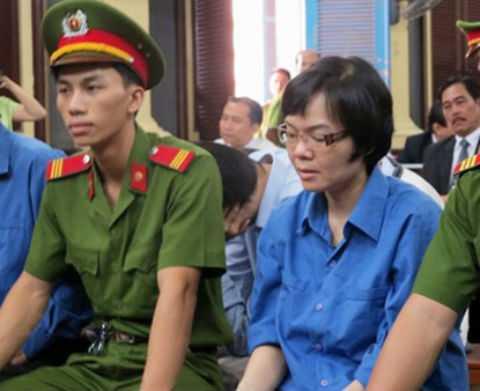 Việc truy tố, xét xử các đối tượng gây ra những vụ 'đại án' trong lĩnh vực tài chính - ngân hàng như Nguyễn Đức Kiên, Huỳnh Thị Huyền Như được dư luận đồng tình ủng hộ.