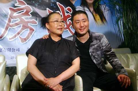 Tư Cầm Cao Oa định hướng cho con trai trong sự nghiệp diễn xuất.