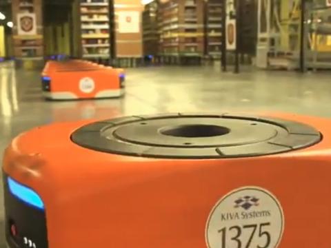 Khoảng 15.000 con robot vận chuyển hàng trong kho được Amazon đặt chế tạo, có tổng giá trị 775 triệu USD.