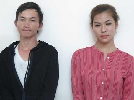 Tài (phải) cùng đồng bọn bị bắt giữ. Ảnh do cơ quan công an cung cấp.