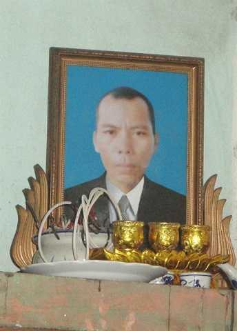 Di ảnh Vi Văn Phong    Ảnh : Hồ Quang (NNVN)