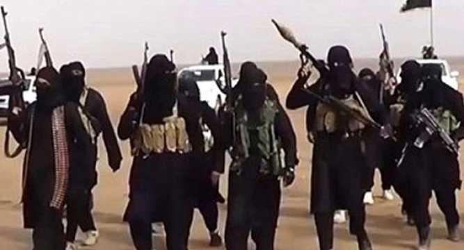 Các chiến binh IS được trang bị vũ khí đầy đủ